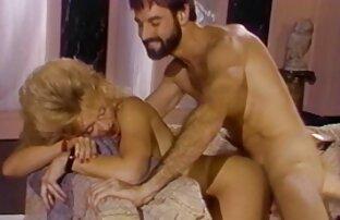 Massage free porrfilm av blond
