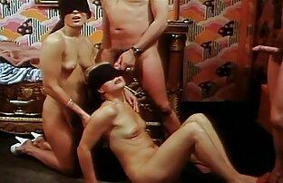 Efter en varm kommer en kvinna att uppskatta smaken av parthenra av lesbisk porr gratis spermier