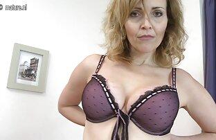 Med stora bröst gratis nylon porr driver hennes trosor åt sidan